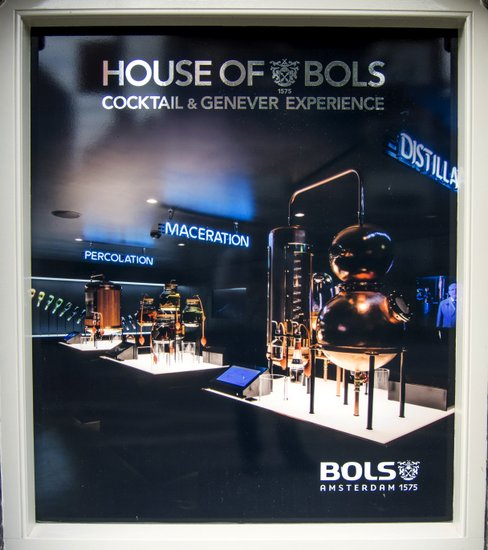 Amsterdam_House-of-bols