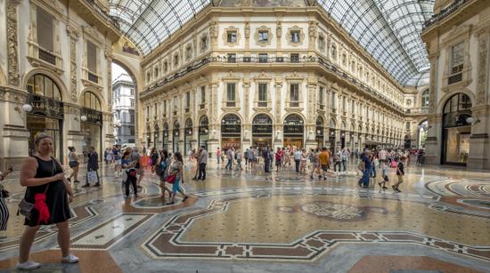 Milaan_Galleria_Vittorio_Emanuele_(12).jpg
