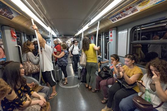 Milaan_Metro_(4).jpg