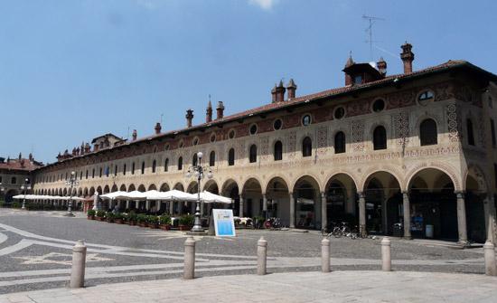Milaan_Vigevano-piazza_ducale