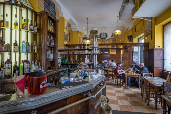 Milaan_bar-magenta-corso