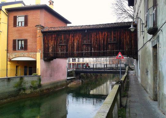 Milaan_houten-woonbrug-Gorgonzola
