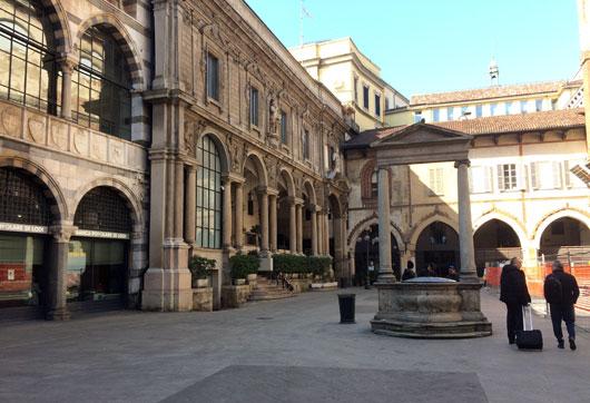 Milaan_piazza-dei-mercanti
