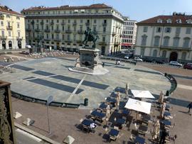 turijn-piazza-bodoni