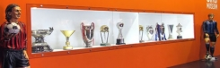 Voetballers in het museum